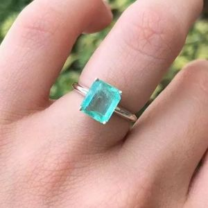 2.8ct Colombian Emerald ring